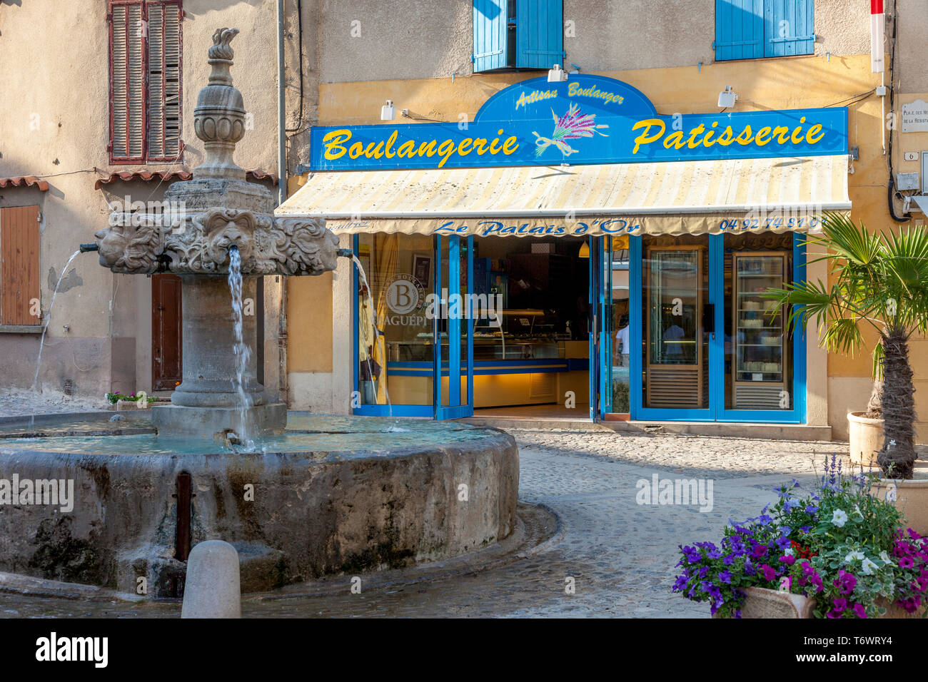 Boulangerie Salon De Provence Boulangerie Stock Photos Boulangerie Stock Images Alamy