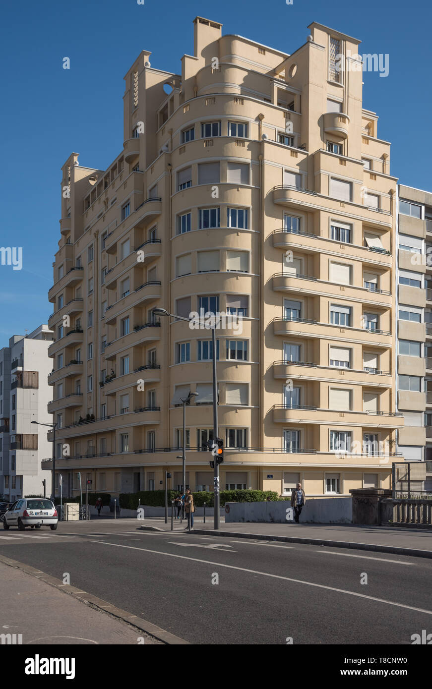 Lyon Avenue Freres Lumiere Art Deco Wohnhaus Stock Photo Alamy - Deco Lyon