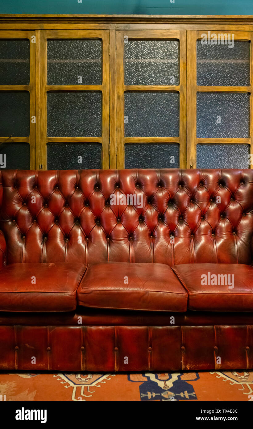 Secondhand Furniture High Resolution Stock Photography And Images Alamy
