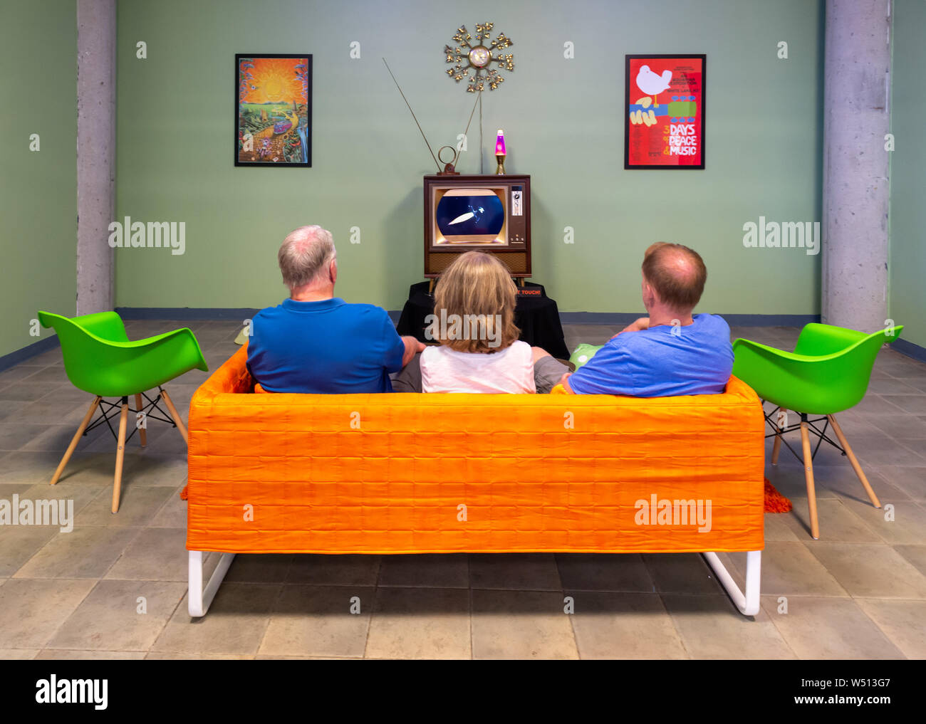 Family Watching Tv 1960s High Resolution Stock Photography And Images Alamy