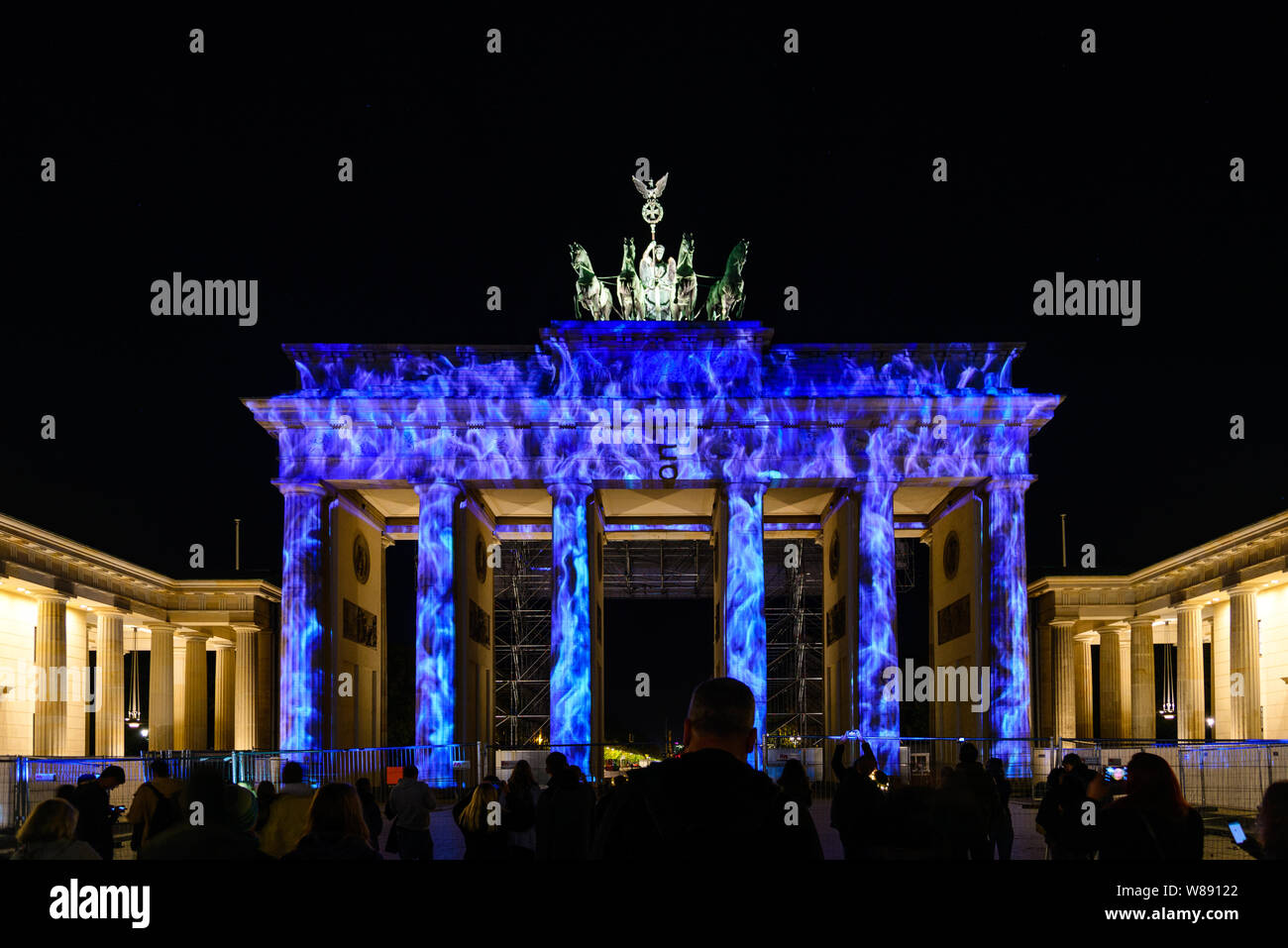 People Enjoy Event Festival Of Lights Berlin Leuchtet The Projection Mapping Lighting Art At Brandenburg Gate During The Night Stock Photo Alamy