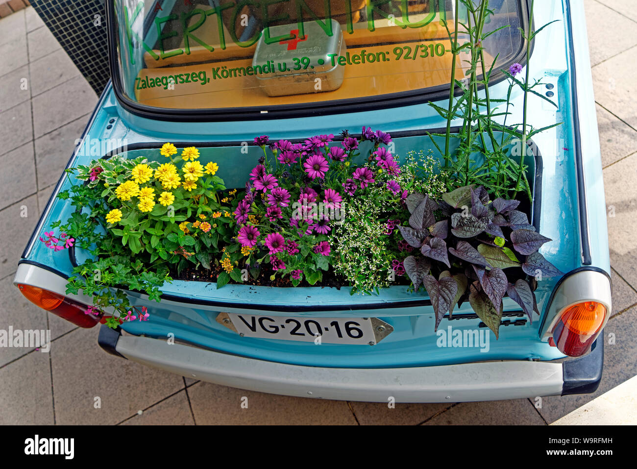 Blumenkasten High Resolution Stock Photography And Images Alamy