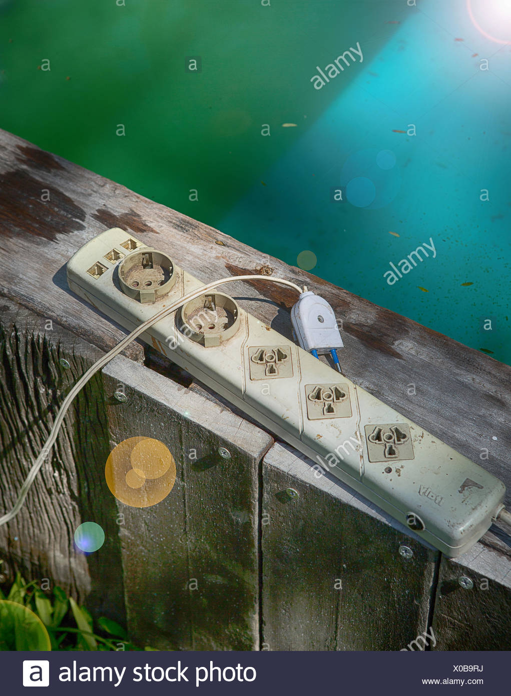 Pool Im Garten Gefährlich Plug Socket At Pool Stock Photo 275615078 Alamy