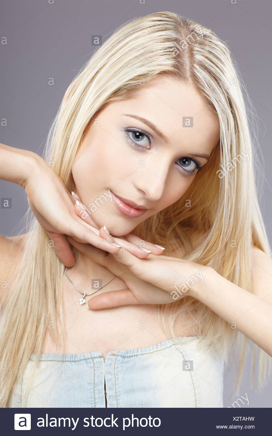 Frisur Blond Frau Frisur Blond Stock Photos Frau Frisur Blond Stock Images