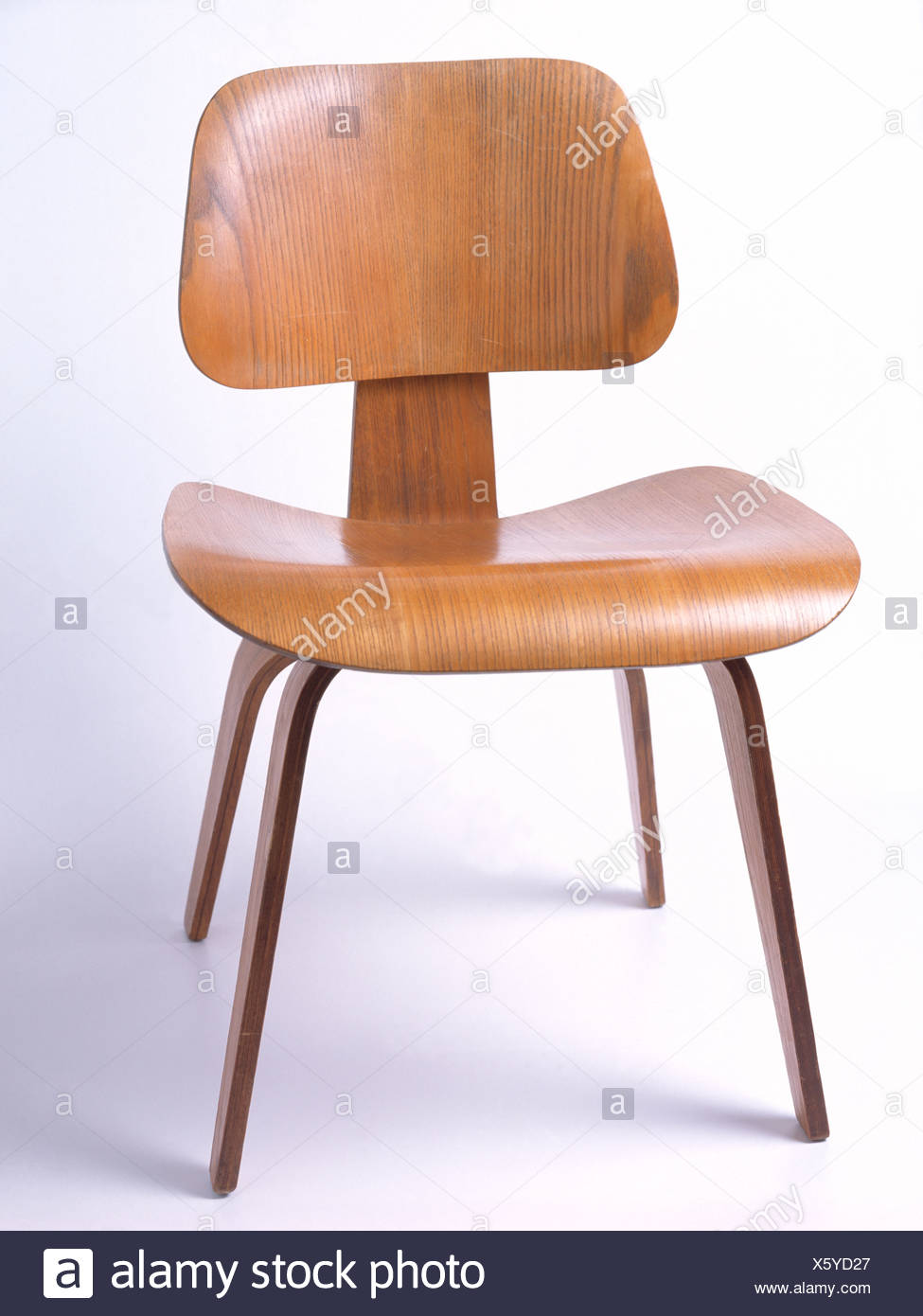 Silla Charles Eames Charles Eames Stock Photos Charles Eames Stock Images Alamy