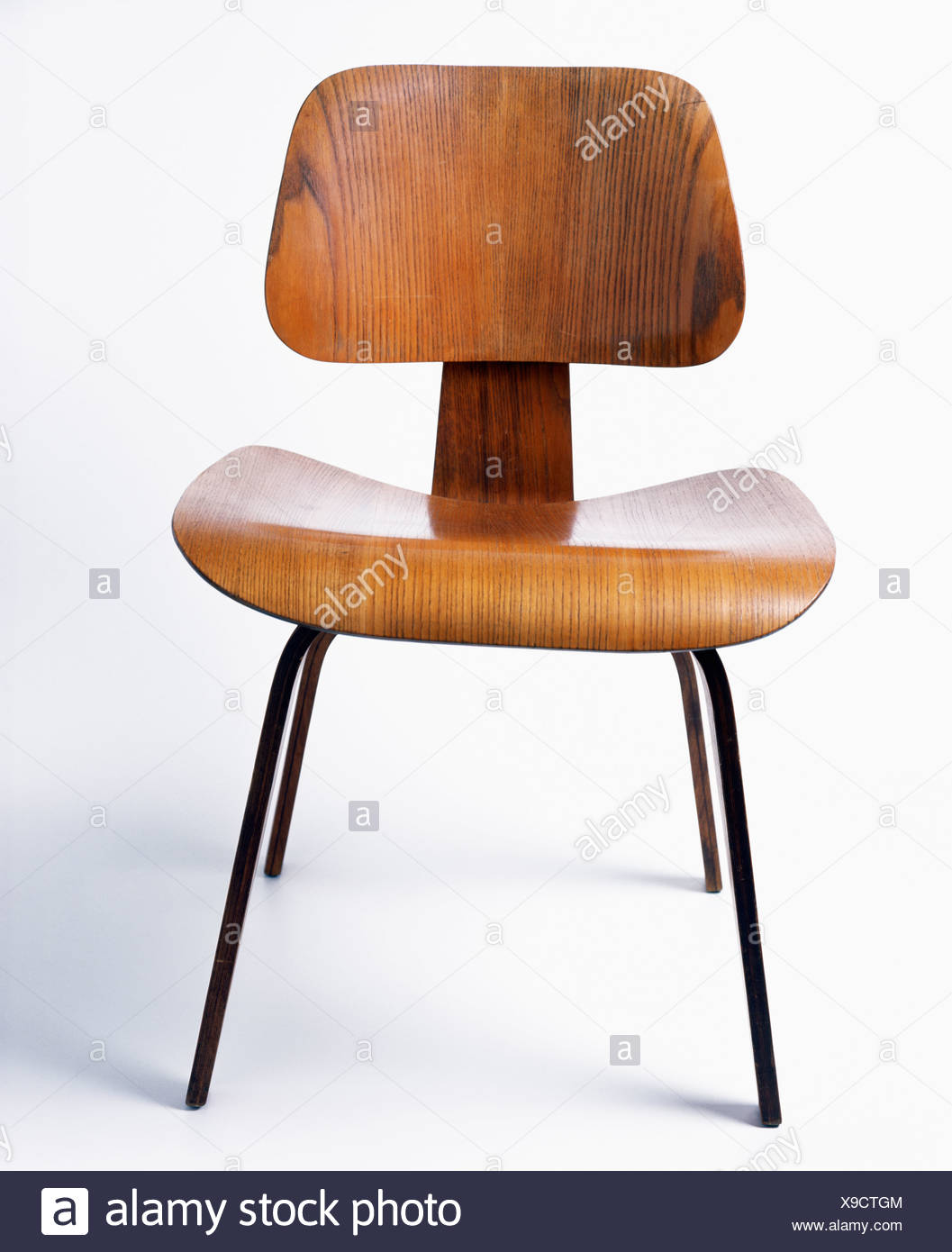 Charles Eames Close Up Of Charles Eames Lcw Chair Stock Photo 281180500 Alamy