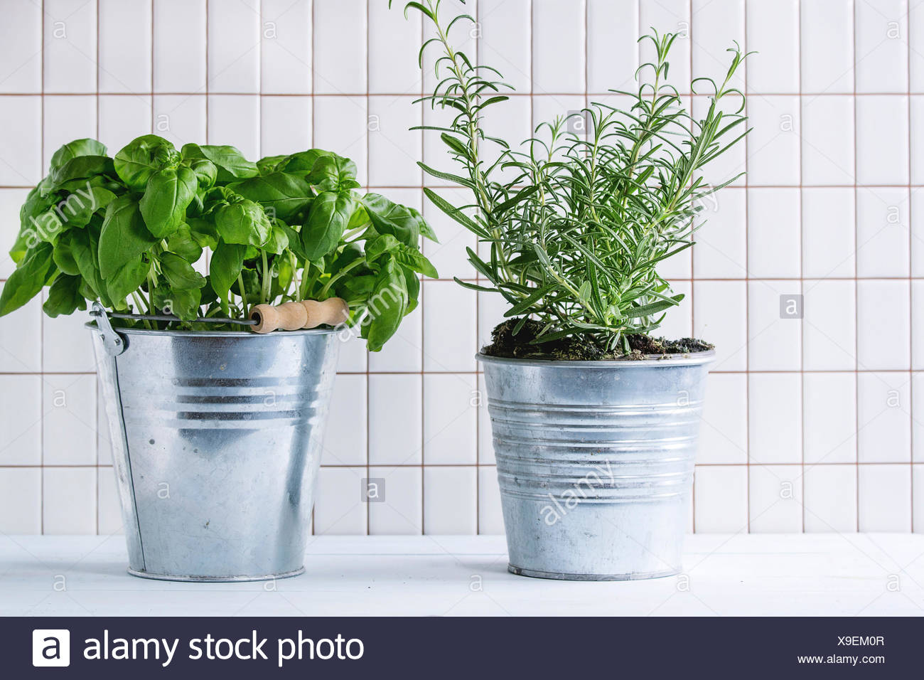 Herb Pots Kitchen Herbs Pots Stock Photos And Herbs Pots Stock Images Alamy
