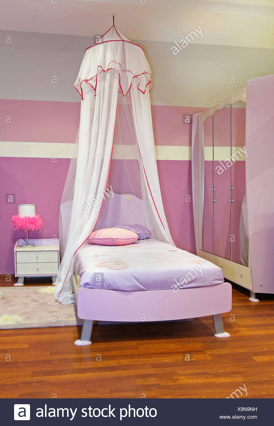 Schlafzimmer Modern Pink Canopy Bed Pink Stock Photos Canopy Bed Pink Stock Images