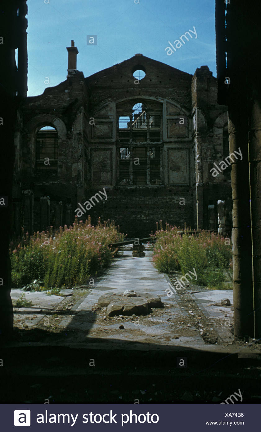 Gfk Pool Obi London In Ruins Stock Photos London In Ruins Stock Images Page
