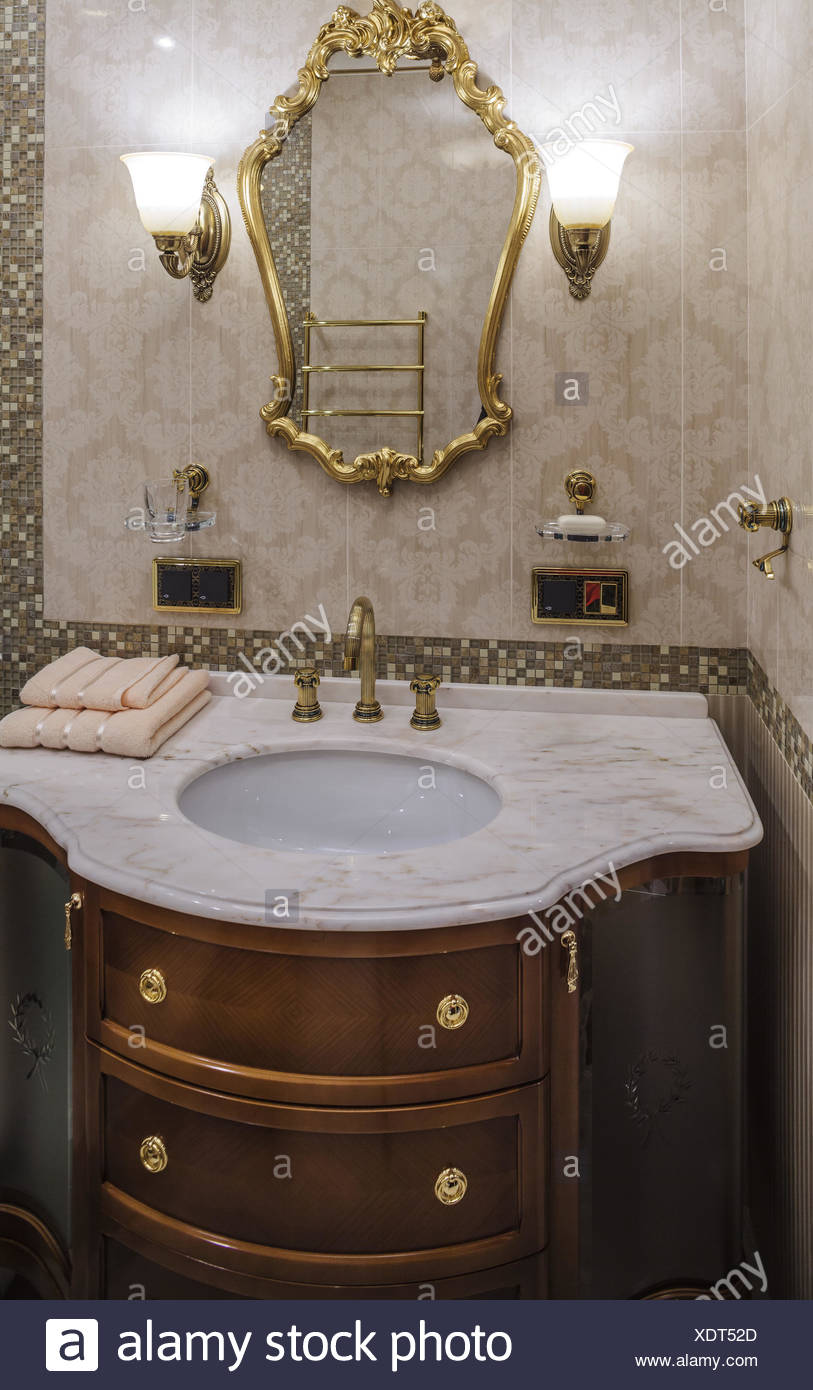 Luxury Bathroom In Classic Style Stock Photo Alamy
