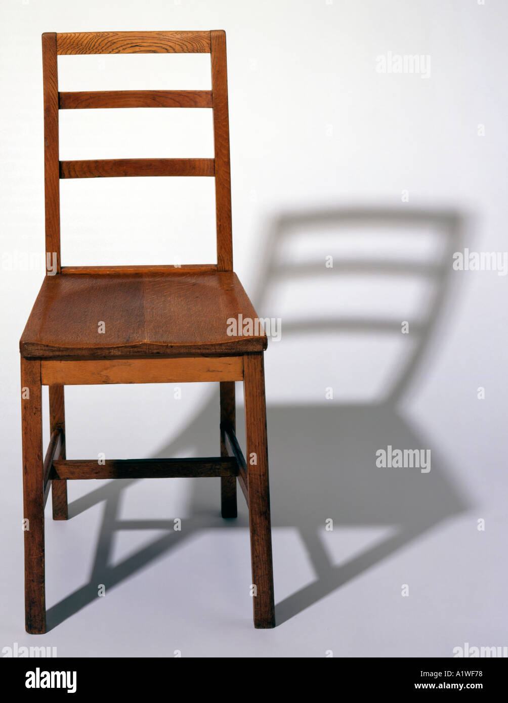 Alter Holzstuhl Schule Wooden Chair School Stockfotos Wooden Chair School Bilder Alamy