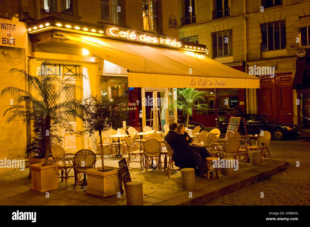 Les Halles Restaurant Valence Cafe Couple France Stockfotos Cafe Couple France Bilder Seite