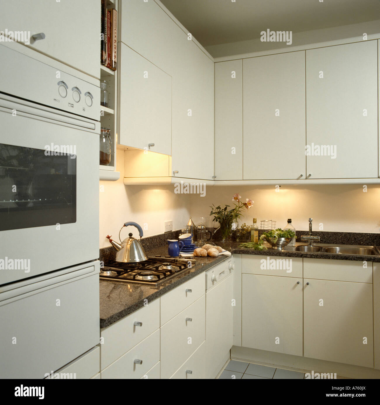Küche Petrol Wand Black Worktops Stockfotos And Black Worktops Bilder Alamy