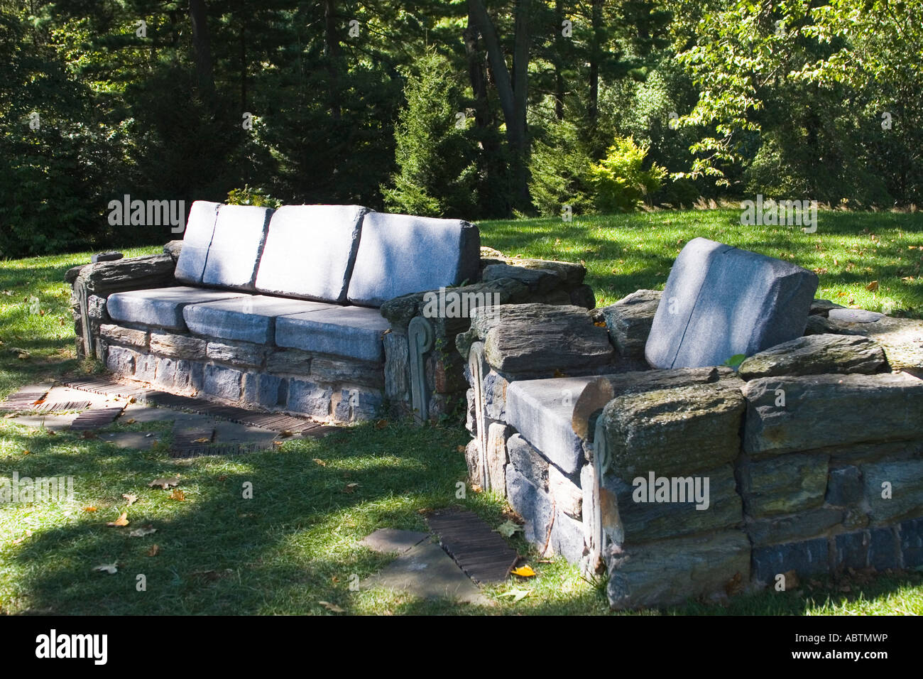 Sessel Stein Stein Sofa Und Sessel In Chanticleer Gärten Stockfoto Bild