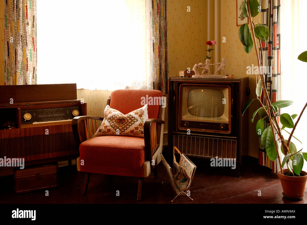 Stereo Sessel Living Room 1950s Stockfotos And Living Room 1950s Bilder