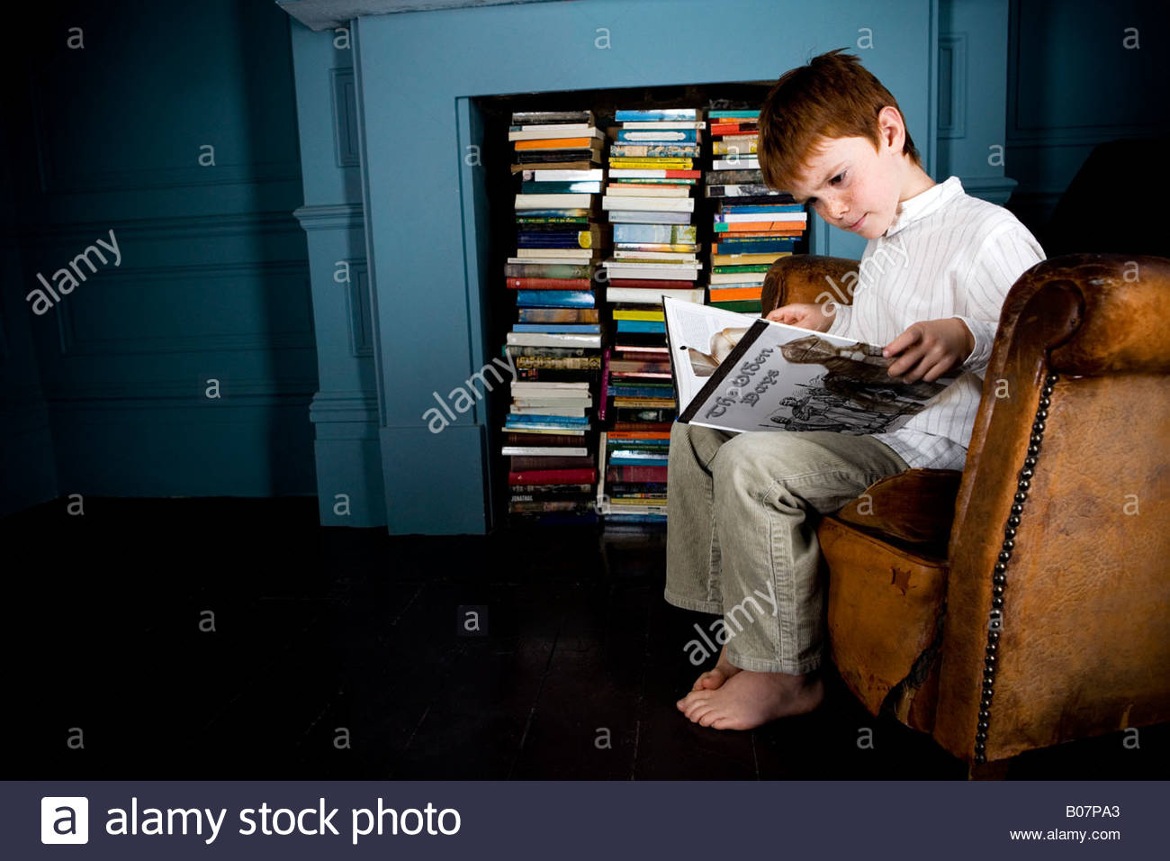 Sitzen Im Sessel Book Stockfotos And Book Bilder Alamy