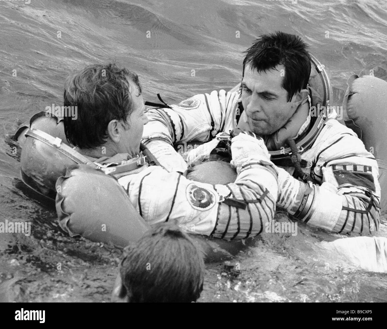 Französisch Training Soviet Cosmonauts Training Stockfotos And Soviet Cosmonauts