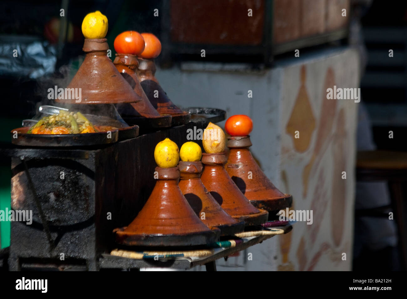 Atlas Küche Couscous Moroccan Tagine Stockfotos And Moroccan Tagine Bilder Alamy