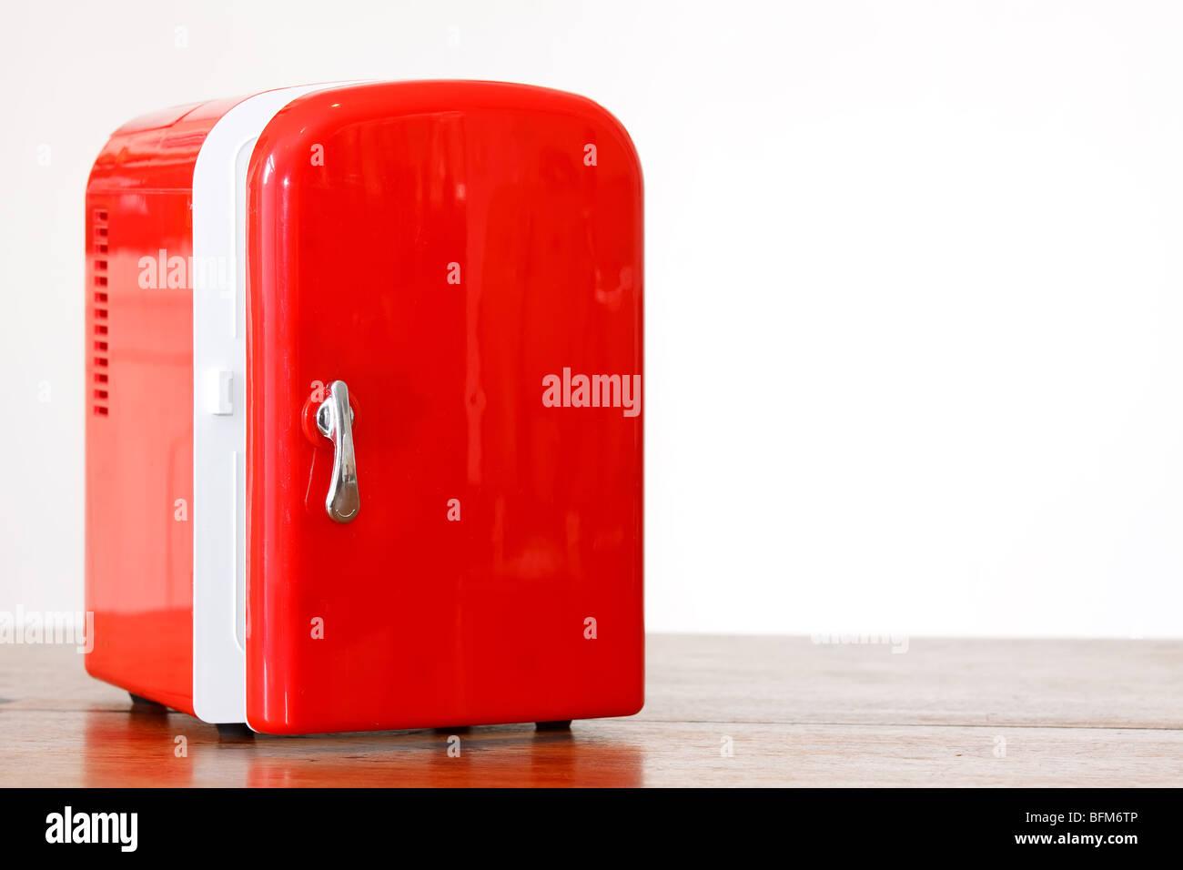 Mini Kühlschrank Mit Gefrierfach 48 L A Gefrierschrank Kühlbox Kühler Hotel : Kleiner kühlschrank in ebay getränkekühlschrank klein mit