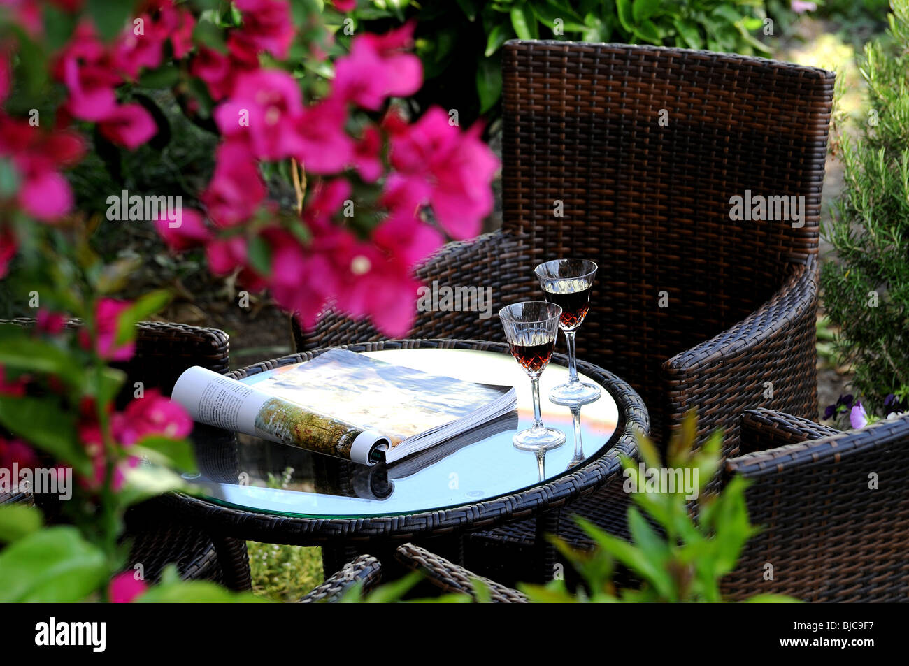 Holztisch Outdoor Aperitif Stockfotos And Aperitif Bilder Alamy