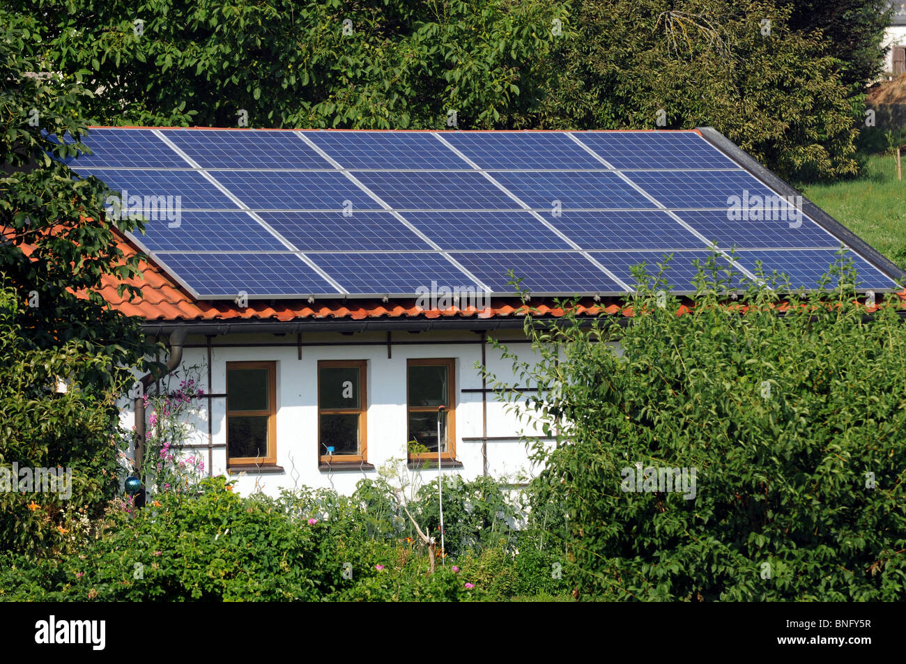 Garage Bilder Solar Panel On Roof Garage Stockfotos And Solar Panel On