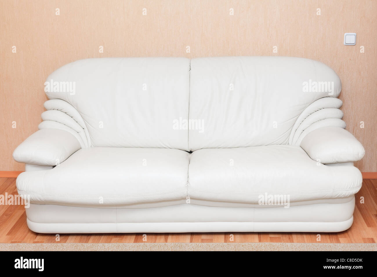 Weiße Ledercouch Couch Stockfotos And Couch Bilder Alamy