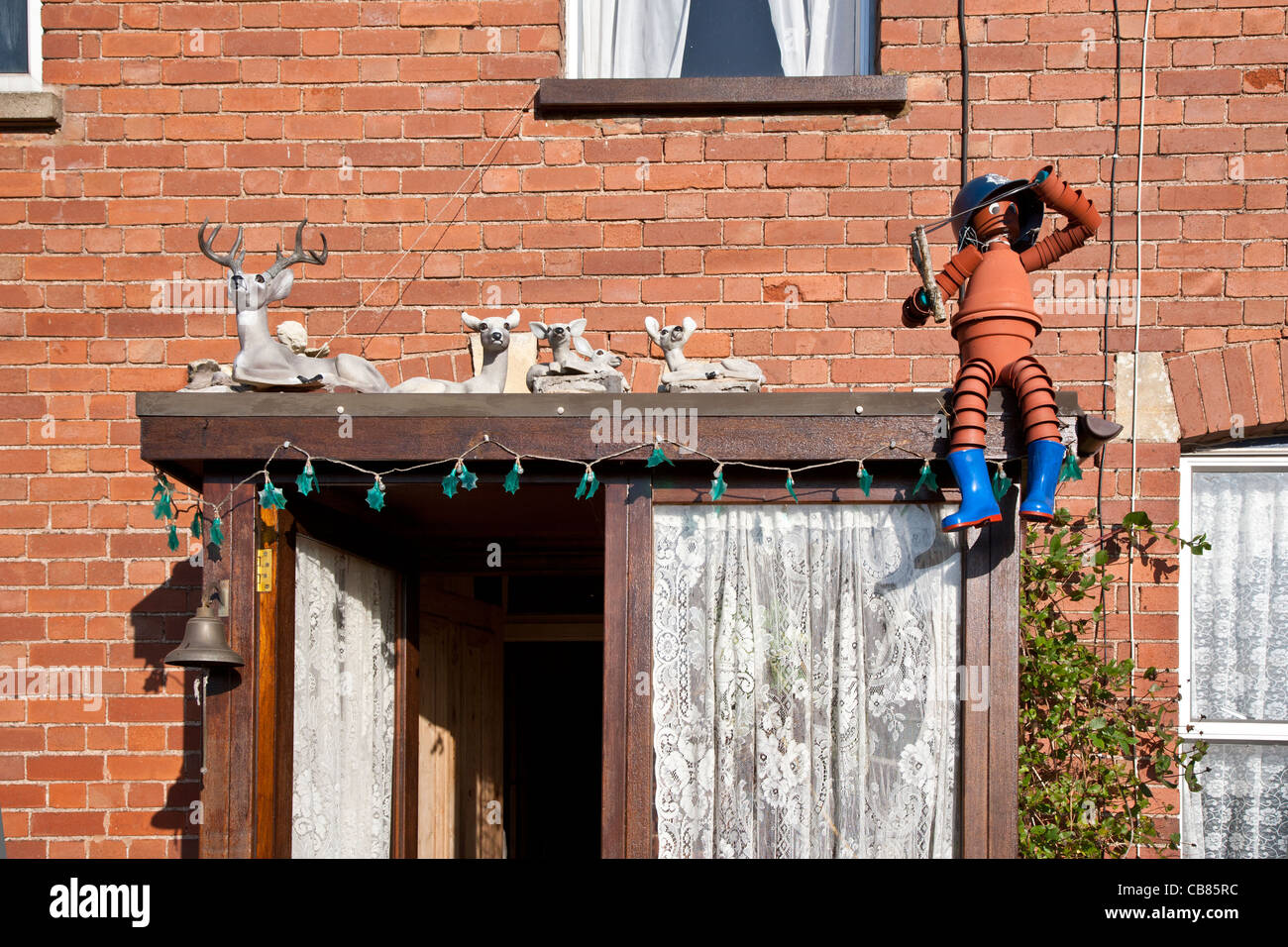 Haustür Vordach Mit Ziegeln Porch Roof Stockfotos Porch Roof Bilder Alamy