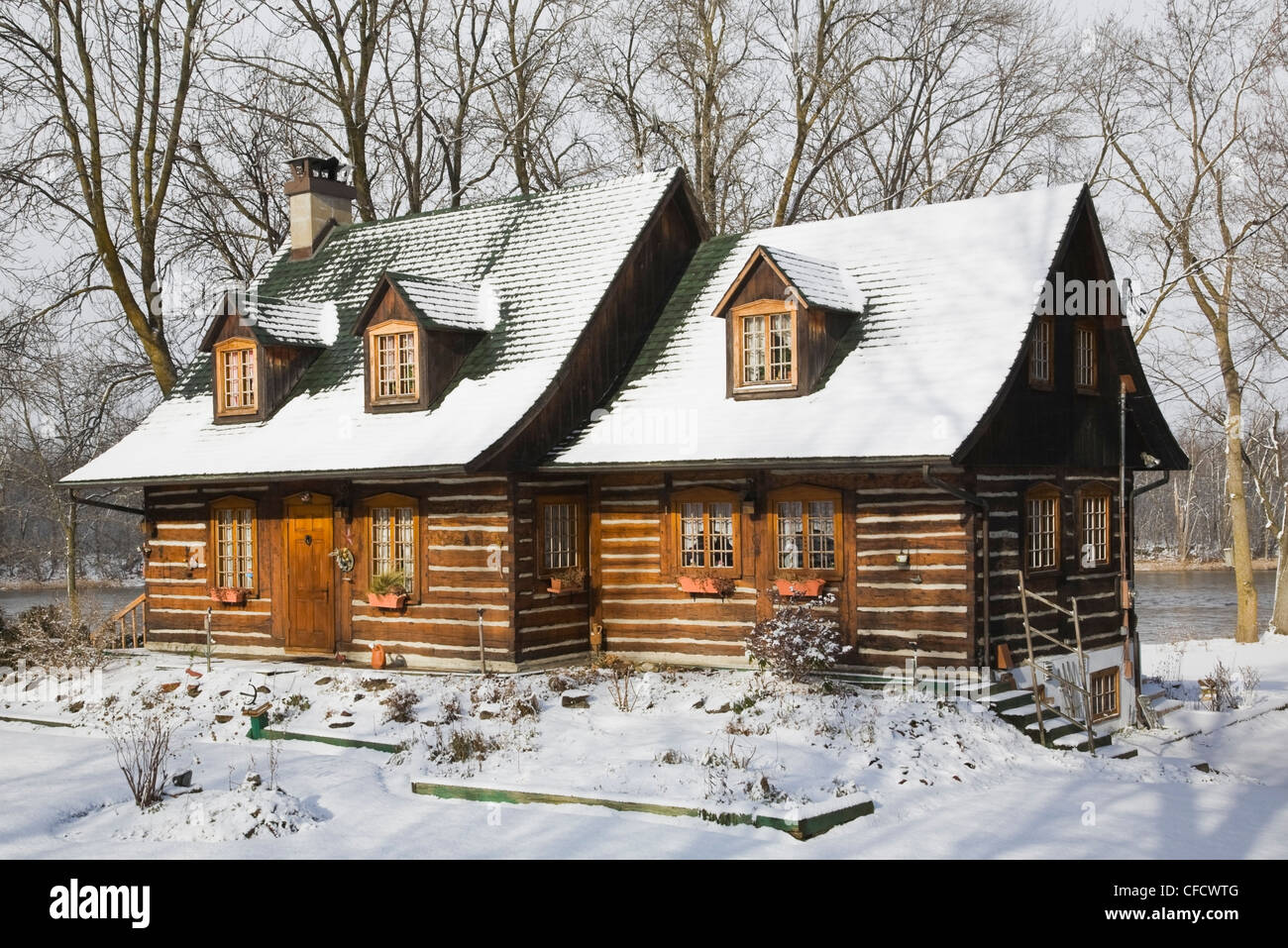 Cottage Stil Exterior Cottage Style Log Home Stockfotos And Exterior