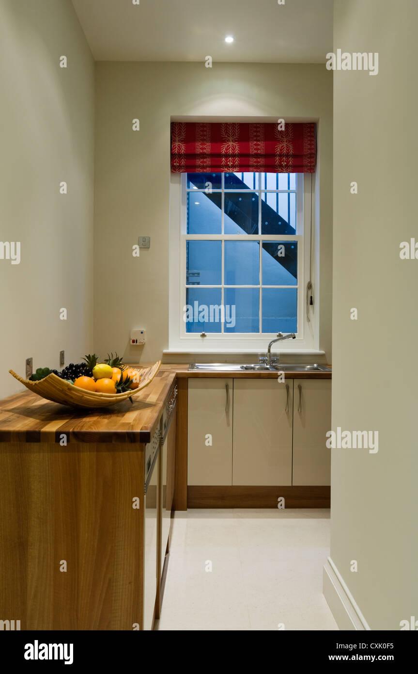 Schrank Küche Holz | Küche Neu Sortieren Küche Richtig Sortieren