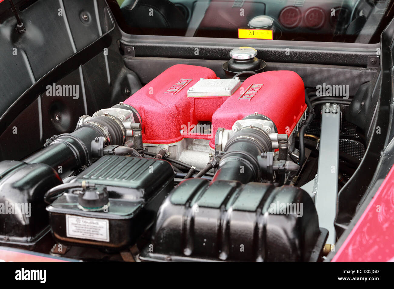 Motor Couchtisch V8 Engine Block Stockfotos And V8 Engine Block Bilder Alamy