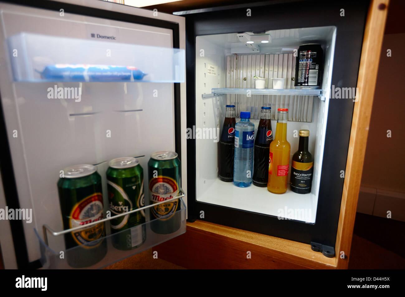Minibar Kühlschrank Polar 30 L Schwarz : Minibar kühlschrank minibar kühlschrank weiß exquisit kb a