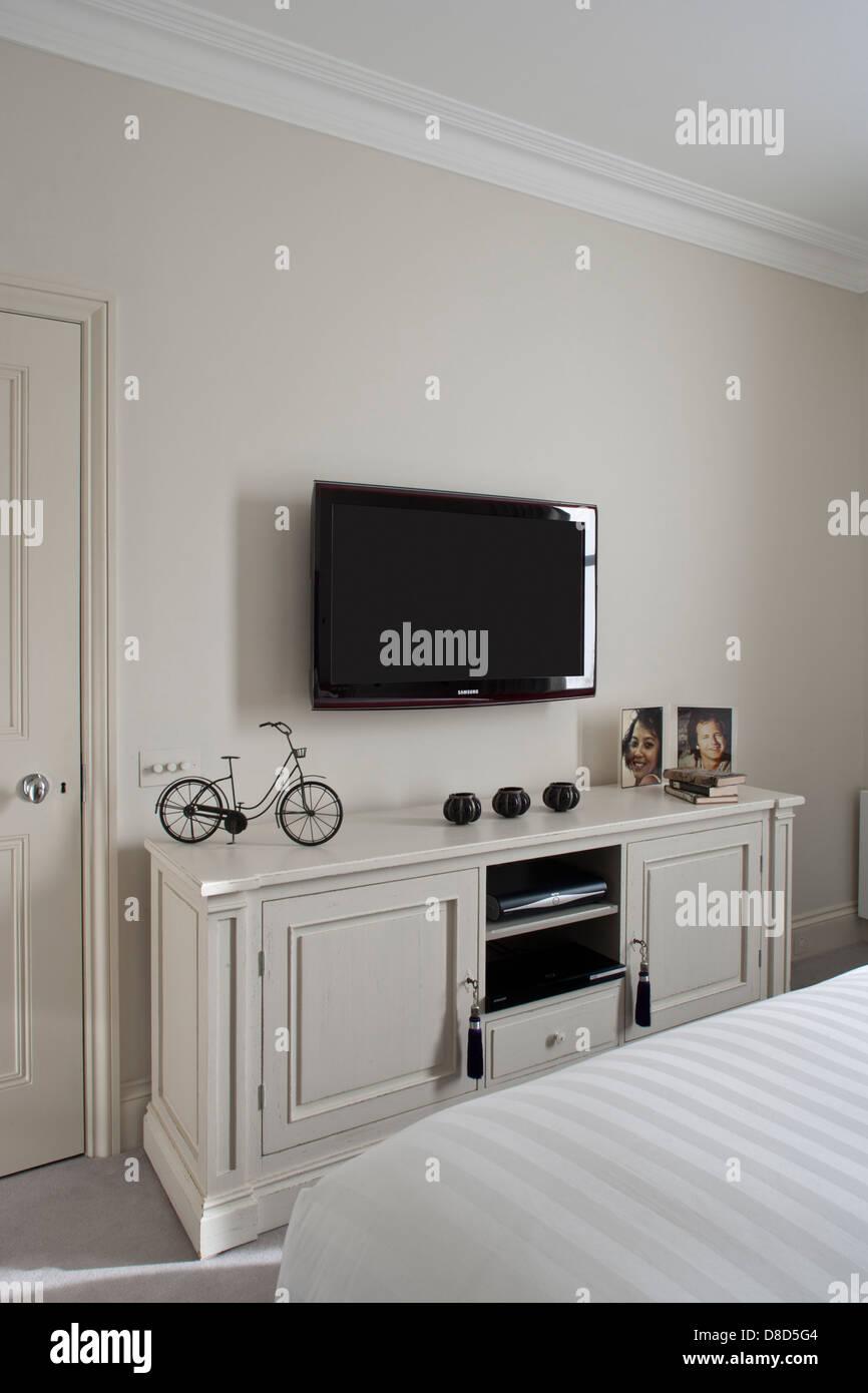 Schlafzimmer Fernseher | Kommode Für Fernseher Inspirierend Schöne ...
