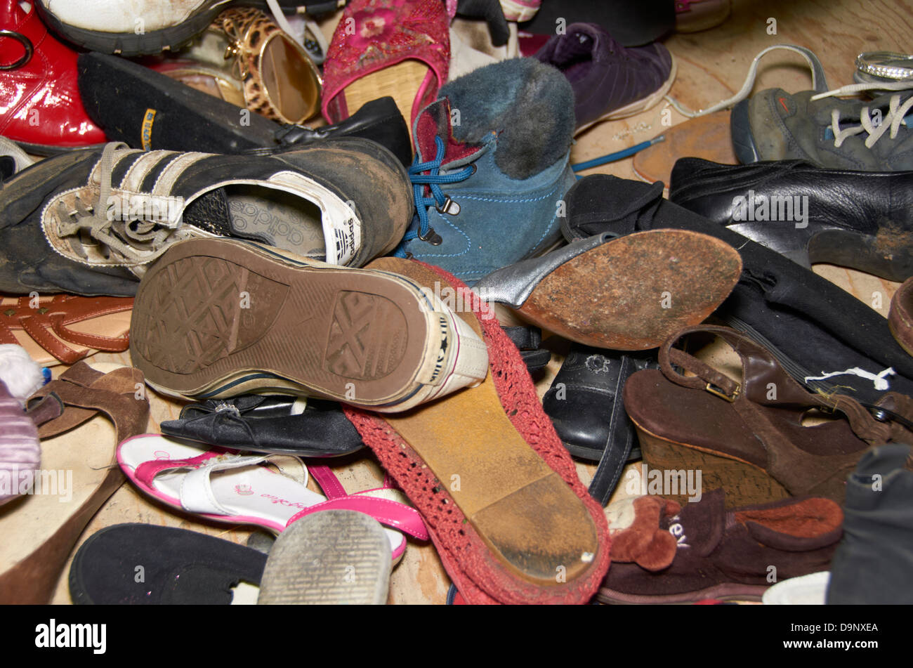 Recycling Schuhe Recycling Shoes Stockfotos And Recycling Shoes Bilder