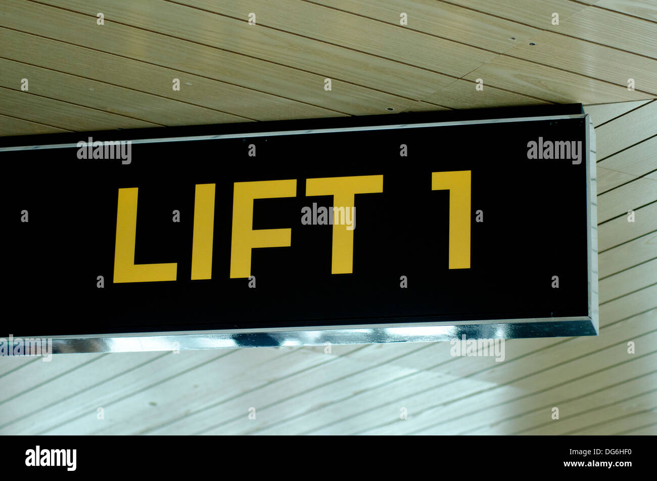 Innenarchitektur Hf Lift Und Aufzug Innenarchitektur Sign Stockfoto Bild