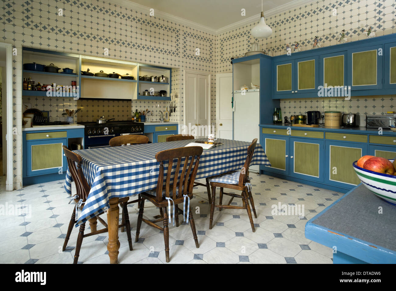 Lustige Bilder Küchenarbeit Unusual Kitchen Stockfotos Unusual Kitchen Bilder Alamy