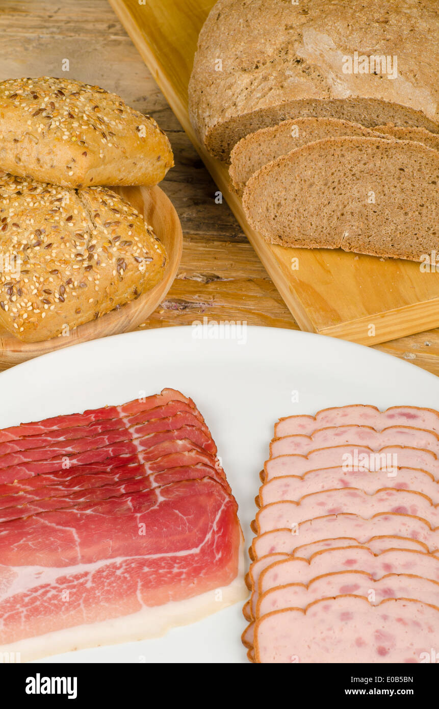 Deutsche Kuche Bread Cold Meat Bread Traditional German Stockfotos Cold Meat Bread