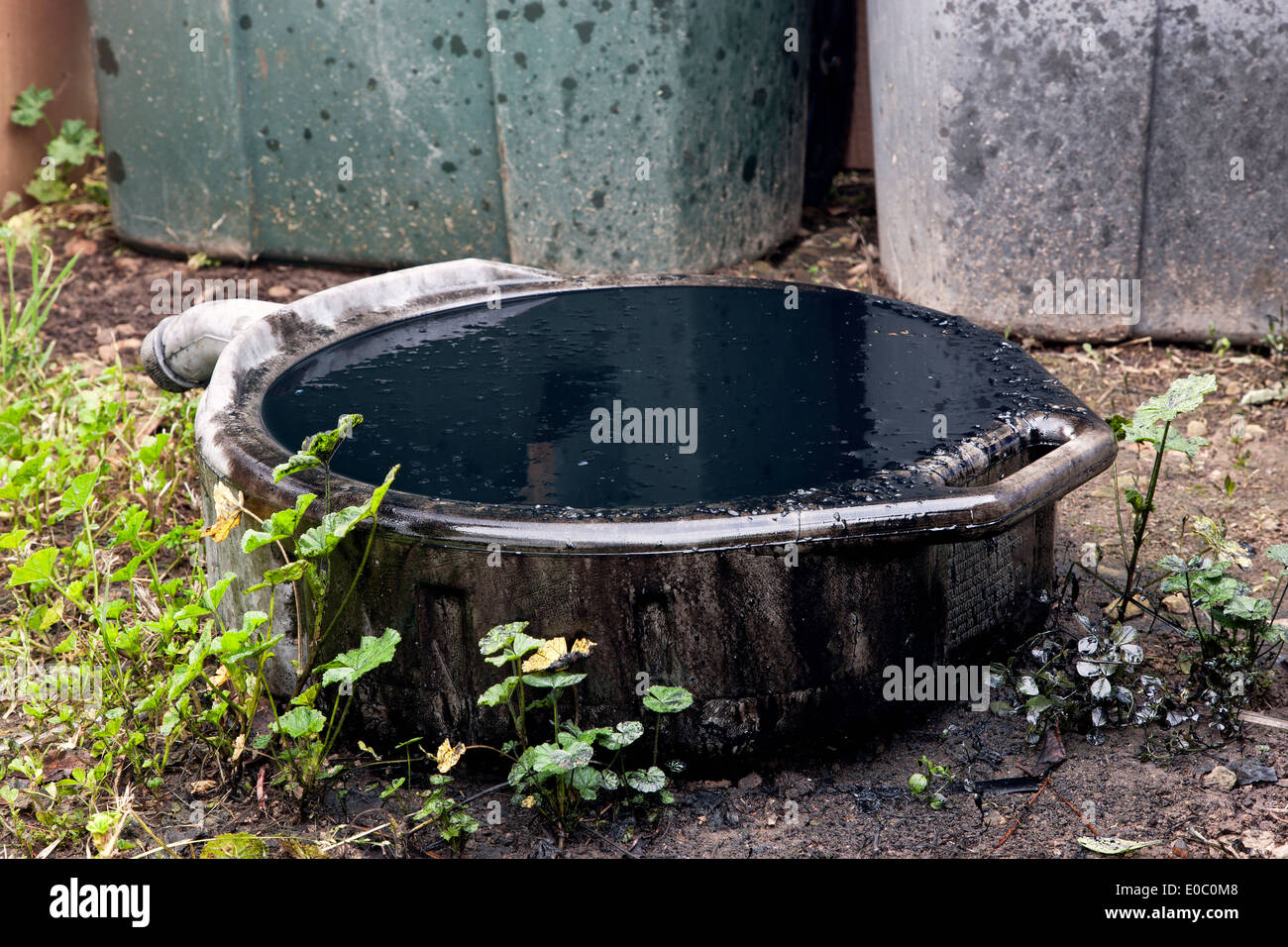 Pool Ablassen Und Reinigen Dirty Stockfotos And Dirty Bilder Alamy