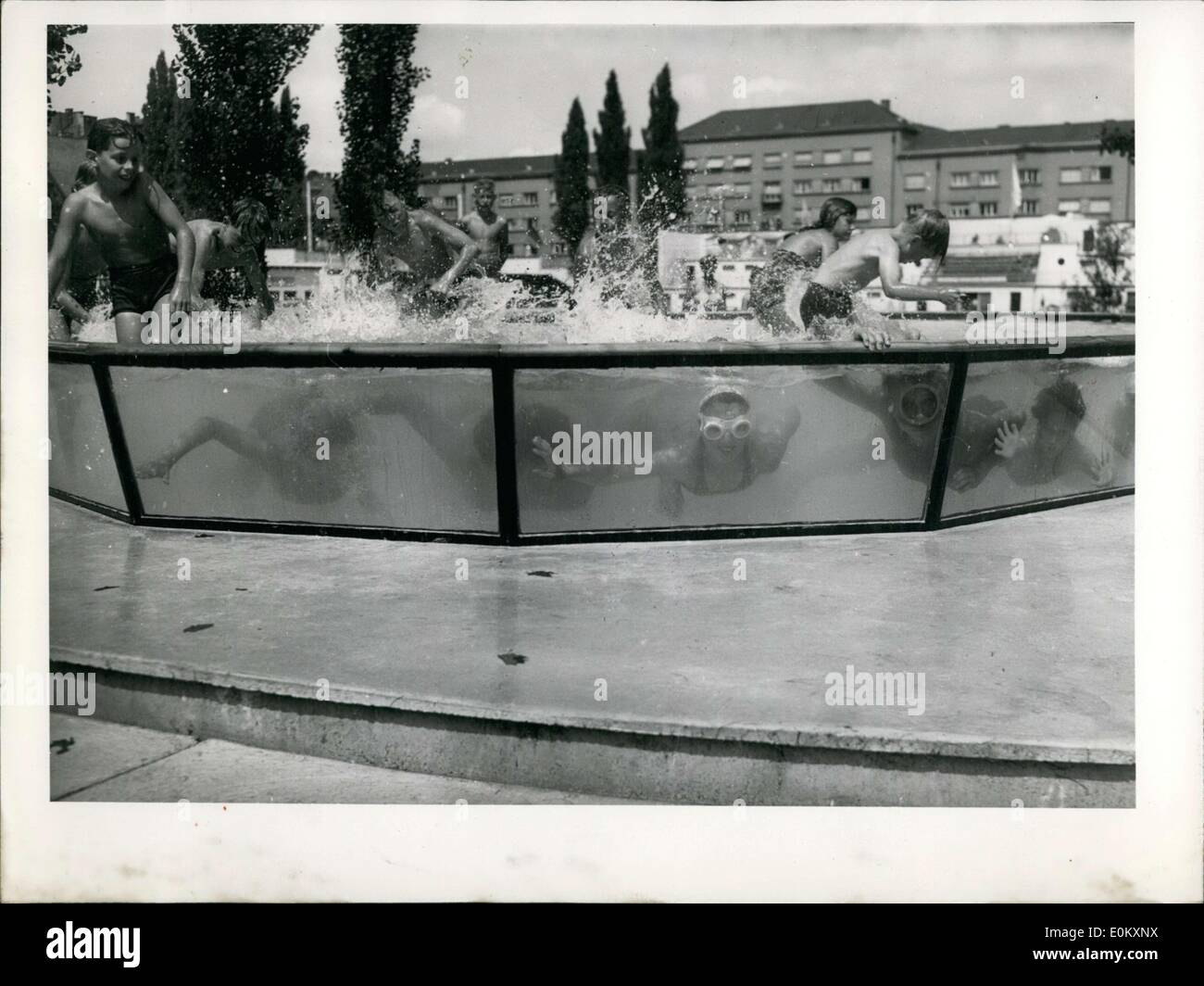 Pool Abdeckung Plexiglas Plexiglass Stockfotos Plexiglass Bilder Alamy