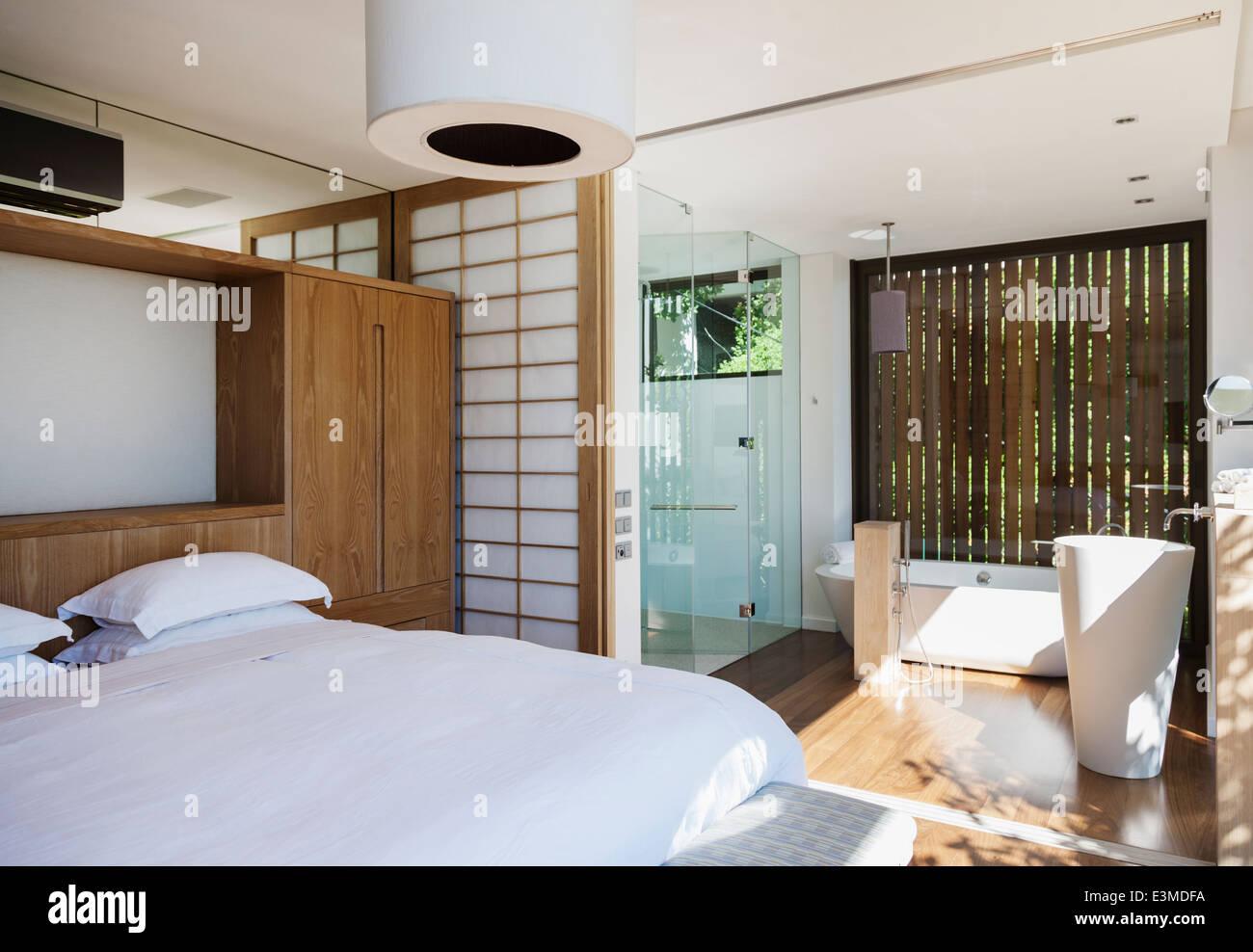 Luxus Schlafzimmer Und Bad En Suite Stockfoto Bild