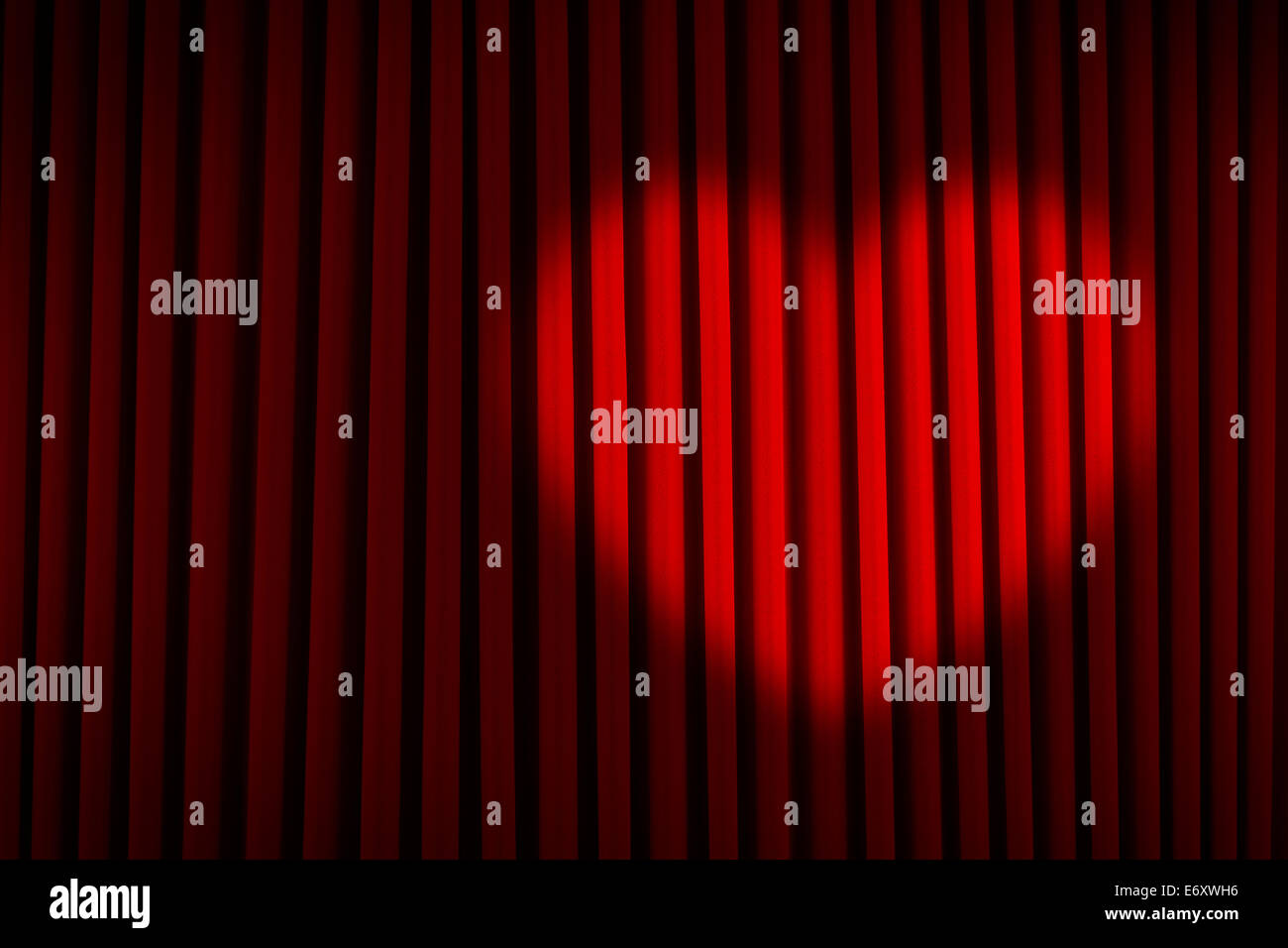 Samtvorhang Rot Spotlight Stockfotos And Spotlight Bilder Alamy