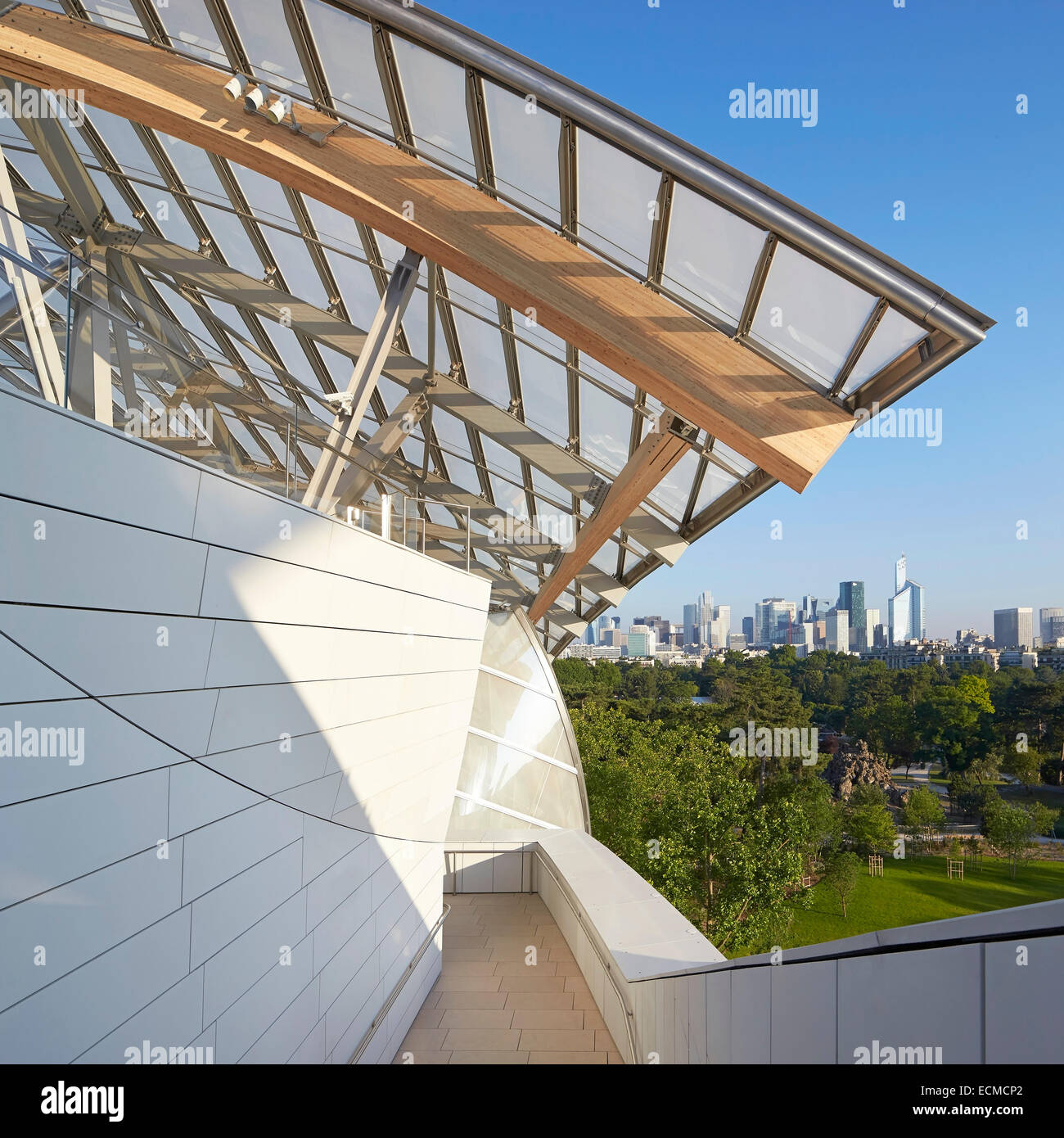 Terrasse Boulogne Fondation Louis Vuitton Paris Frankreich Architekt Gehry