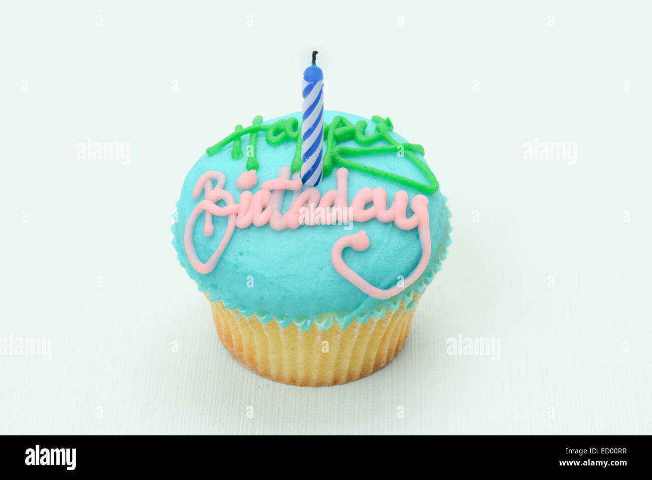 Gute Küche Vanille Cupcake Happy Birthday Text Stockfotos And Happy Birthday Text