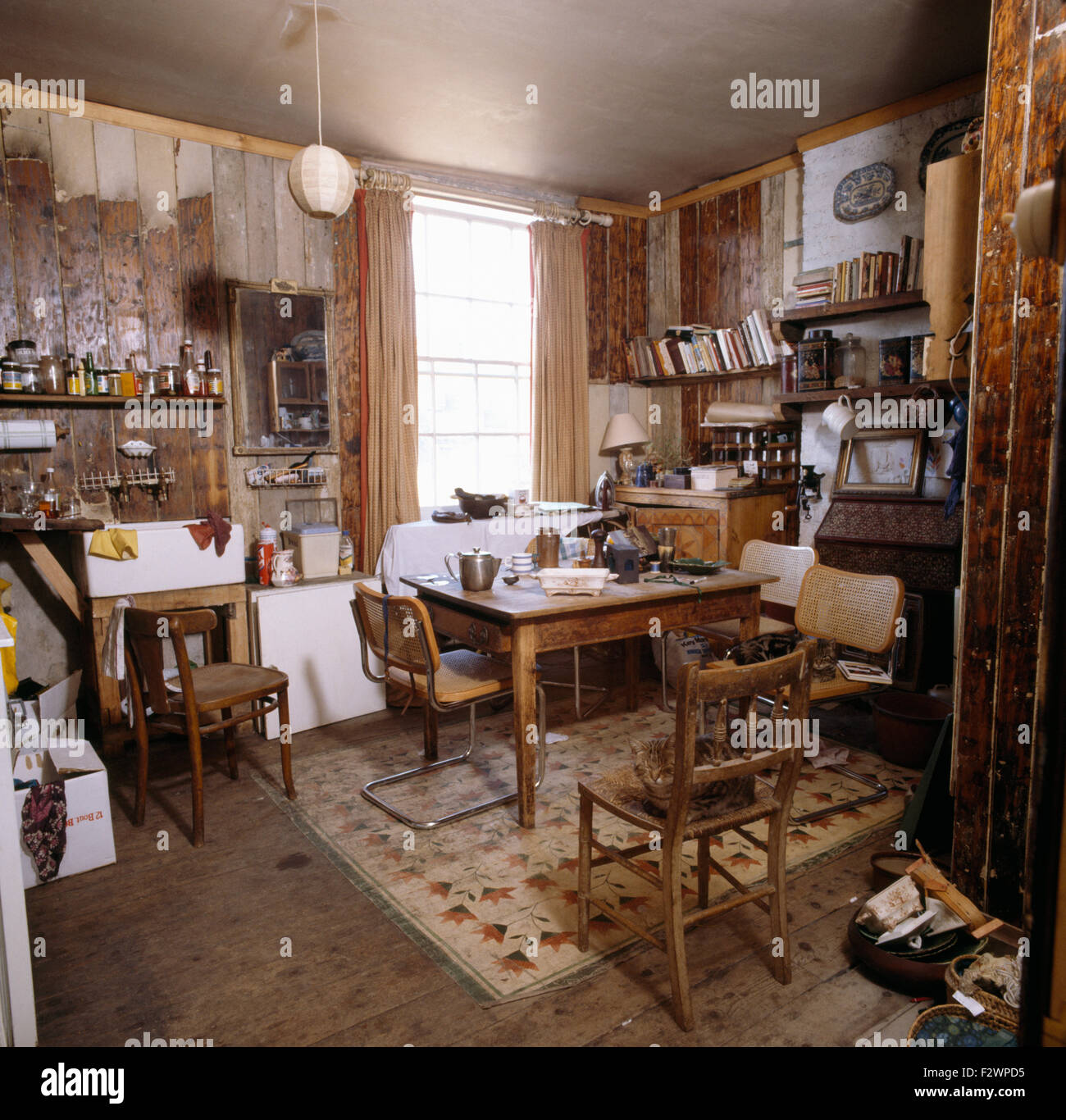 Hängeschrank Küche 50er Jahre Seventies Stockfotos And Seventies Bilder Alamy