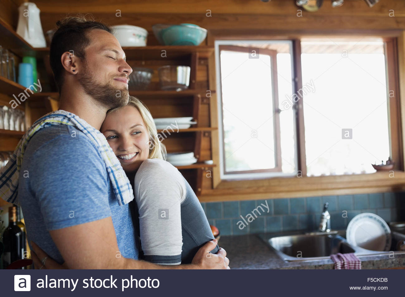 Junge Küche Berlin Young Couple Stockfotos And Young Couple Bilder Alamy