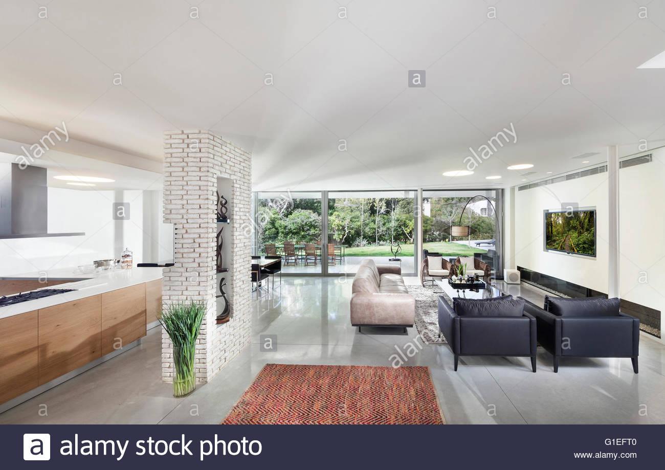 Modernes Weisses Wohnzimmer Grosse Komfortable Weisse Moderne