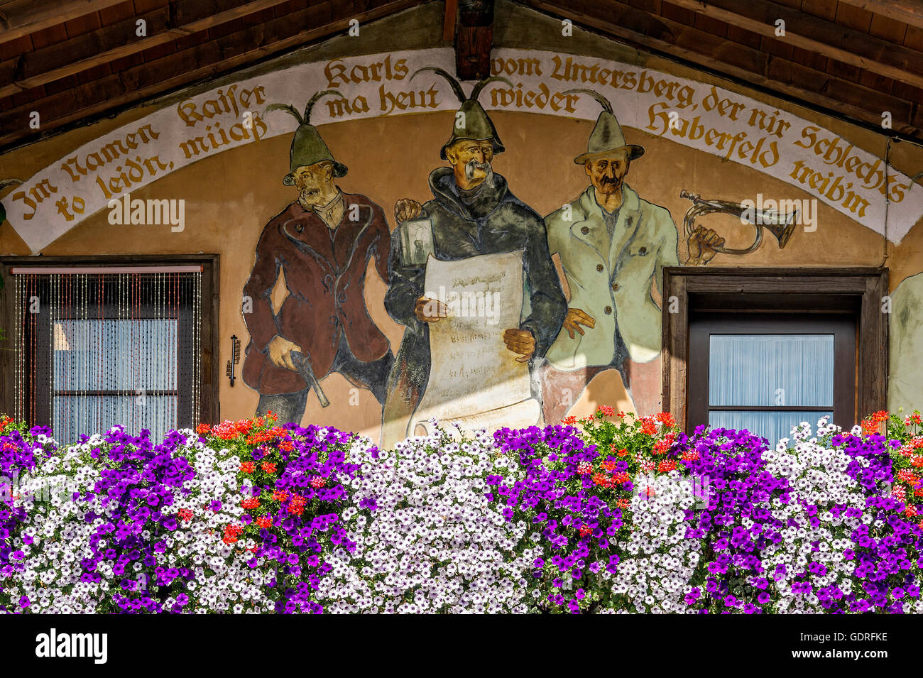 Miesbacher Holzhaus Farmhouse Facade Detail Floral Decoration Stockfotos Farmhouse