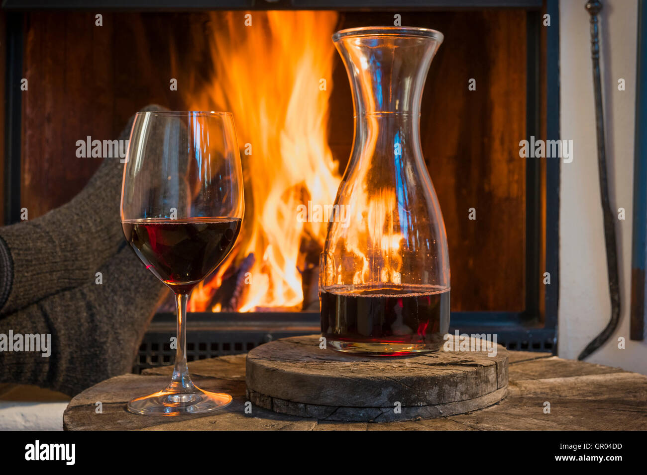 Riesling Am Kamin Weinkarte Fireside And Wine Stockfotos And Fireside And Wine Bilder