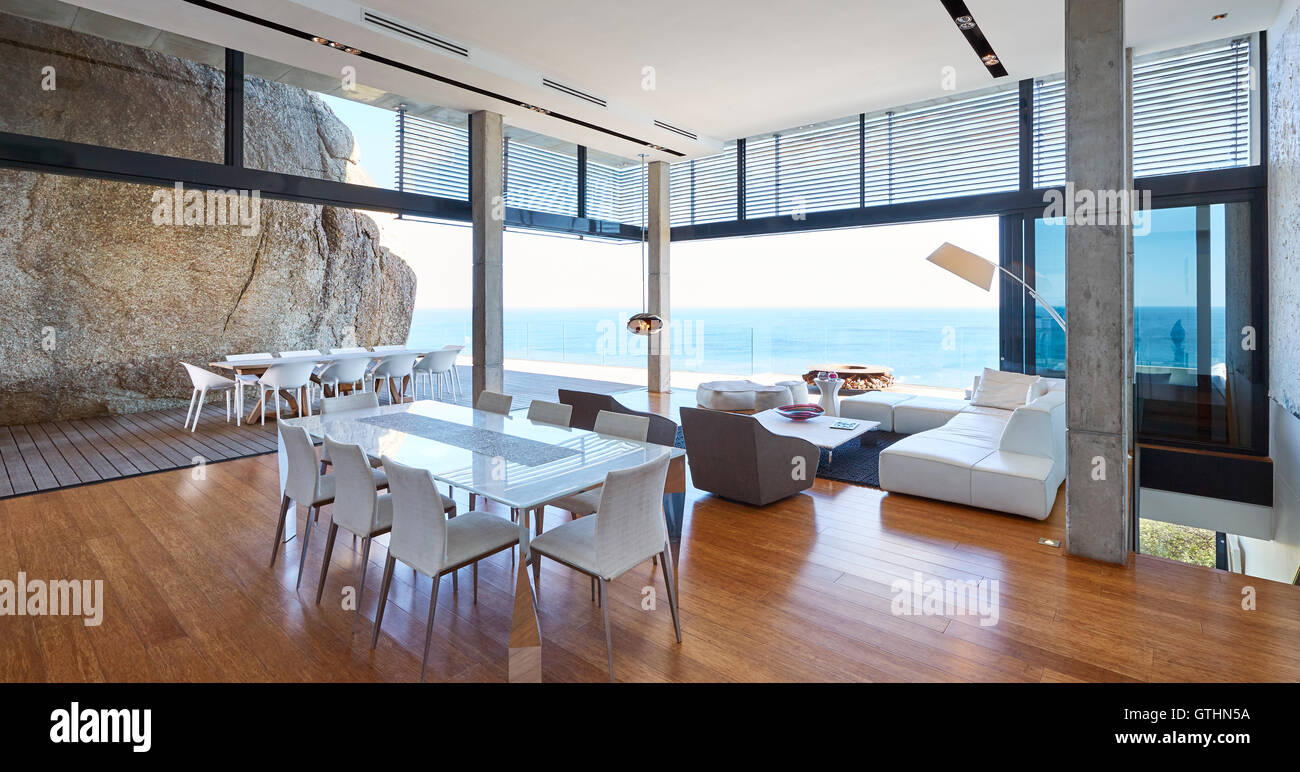 Moderne Luxus Wohnzimmer Und Esszimmer öffnen Terrasse Mit