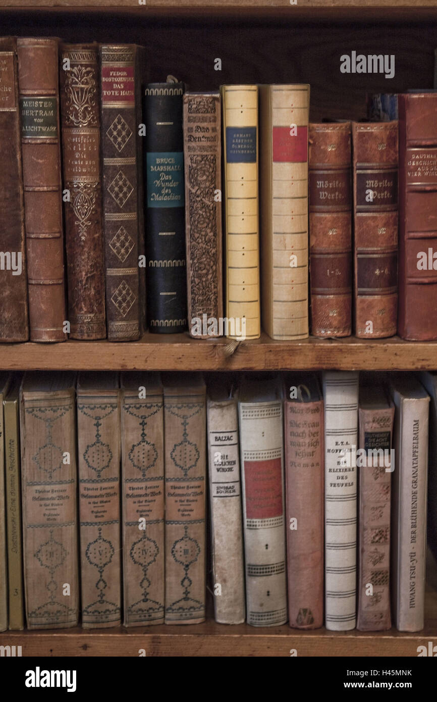 Altes Bücherregal Bücherregal Bücher Alte Stockfoto Bild 123057247 Alamy