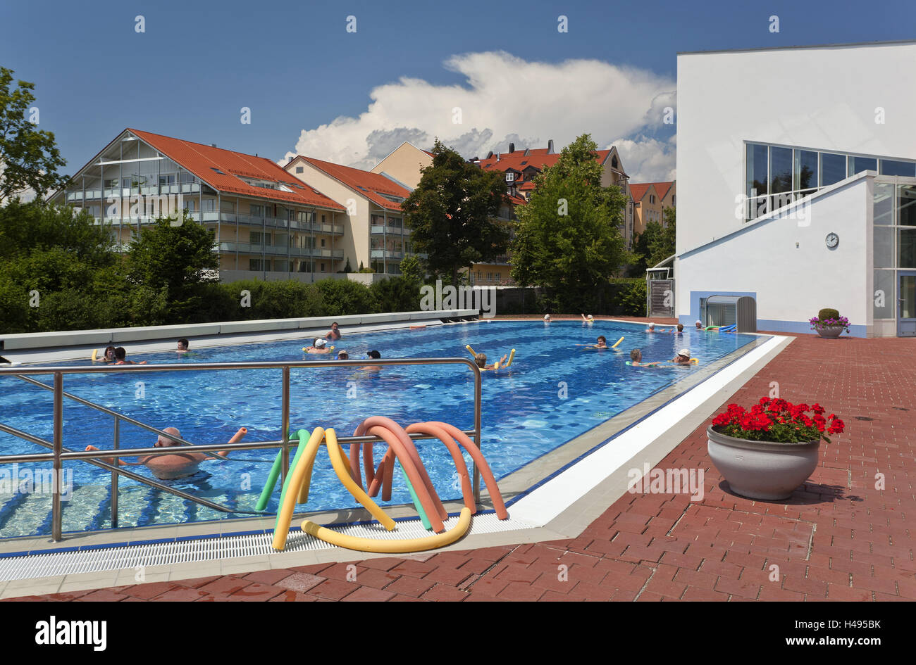 Pool Kaufen Niederbayern People Enjoy Bath Swimming Pool Stockfotos People Enjoy Bath